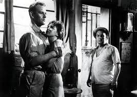 """Val Guest hizo sudar lo suyo a Leo McKern en """"El día en que la Tierra se incendió"""" (1960)"""