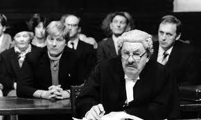 """Rumpole Of The Bailey"" surgió de la pluma de John Mortimer"