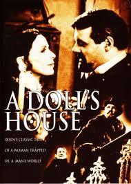 Claire Bloom y Anthony Hopkins interpretaron a los Helmer en el largometraje de Garland