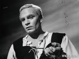 Sir Laurence Olivier revitalizó con sus memorables interpretaciones la entidad creada en 1818