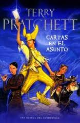 Plaza & Janés publica en España el libro 33 de la saga de Terry Pratchett