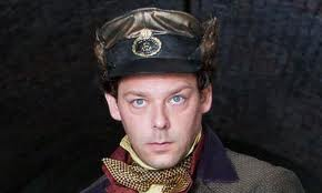 Richard Coyle interpretó al protagonista, Moist von Lipwig