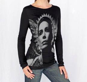 """Los fans pueden adquirir, entre otras cosas, camisetas con la portada de """"Diva""""/ Photo Credits: V&A"""