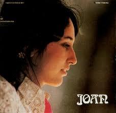 """Joan Baez da voz a """"Seven Curses"""""""