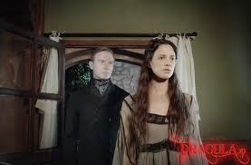 En el filme no falta la historia de amor sádico entre Drácula y Mina