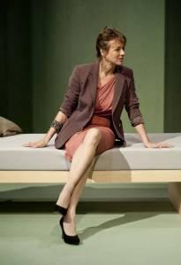 La importancia de los recuerdos pone de manifiesto la debilidad de las relaciones en el libreto del Nobel/ Photo Credits: Teatro Español