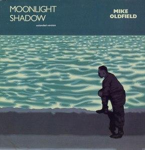 """""""Moonlight Shadow"""" generó cierta polémica al enlazar su letra con el asesinato de John Lennon"""