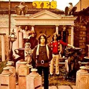 """Jon Anderson (el cantante de Yes) colaboró en """"Crises""""poniendo voz a """"In High Places"""""""