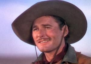 Flynn aumentó su dependencia de las drogas y el alcohol tras ser rechazado para participar en la Segunda Guerra Mundial
