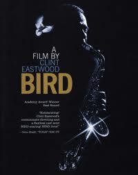 """Eastwood tiene una especial relación con la música: compone muchas de las bandas sonoras de sus películas y recreó la vida de Charlie Parker en """"Bird"""""""