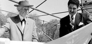 El arquitecto del Guggenheim neoyorquino (izquierda) and David Henken/ Photo Credits: Pedro E. Guerrero